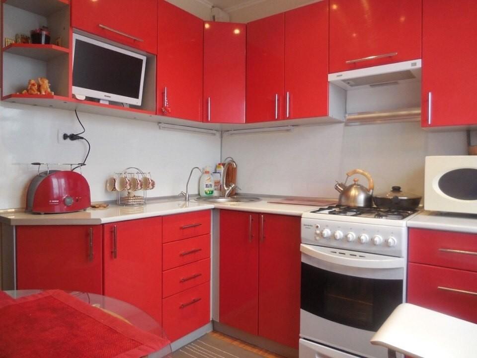 Красная кухня угловая Луганск