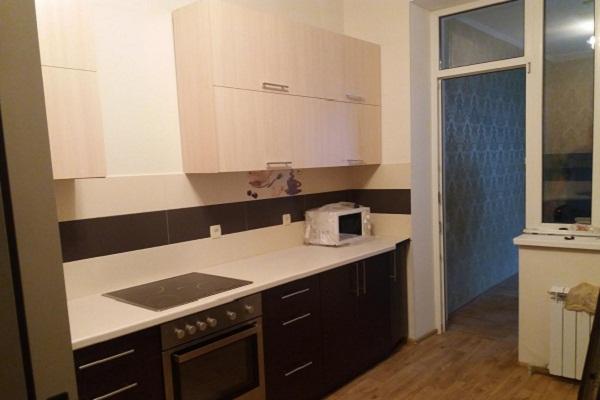 Навесные шкафы на кухне ЛНР