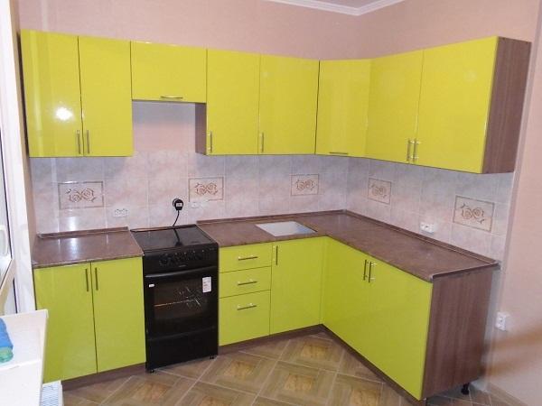Желтая кухня + столешница