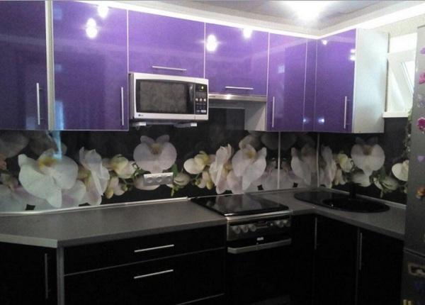 Фиолетовая цветы ЛНР