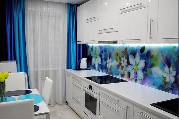 Рисунок в голубых тонах на кухню