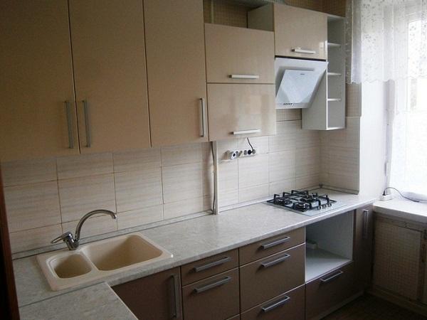 Угловая кухня в Луганске