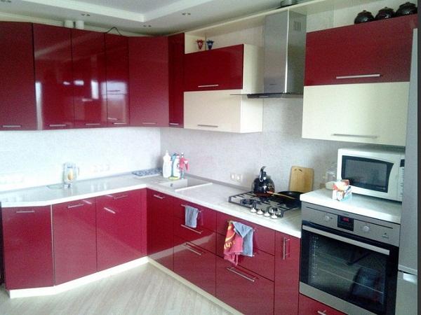 Красно - белая кухня