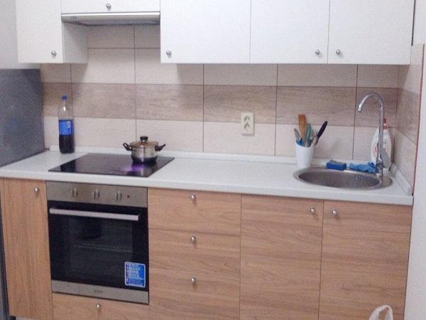 Маленькая кухня с раковиной