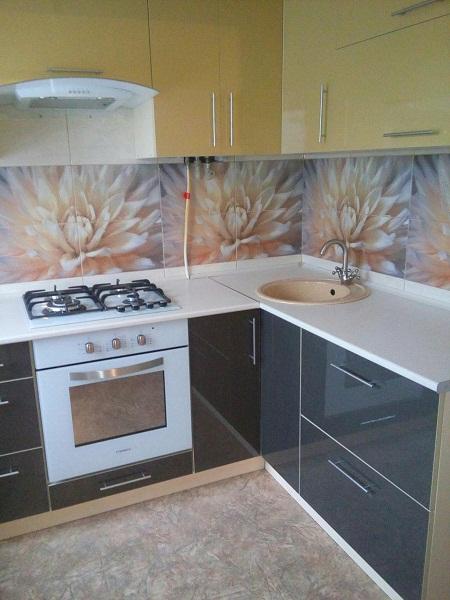 Черно - коричневая мебель для кухни