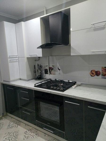 Черно - белая кухня