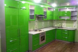 Кухня из зеленого МДФ